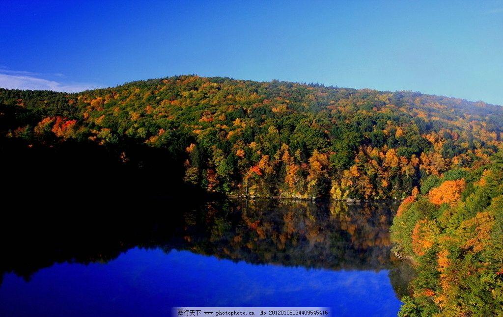 绚丽秋色 风景 风光 秋天 湖泊 森林 植物 环境 蓝天 碧水