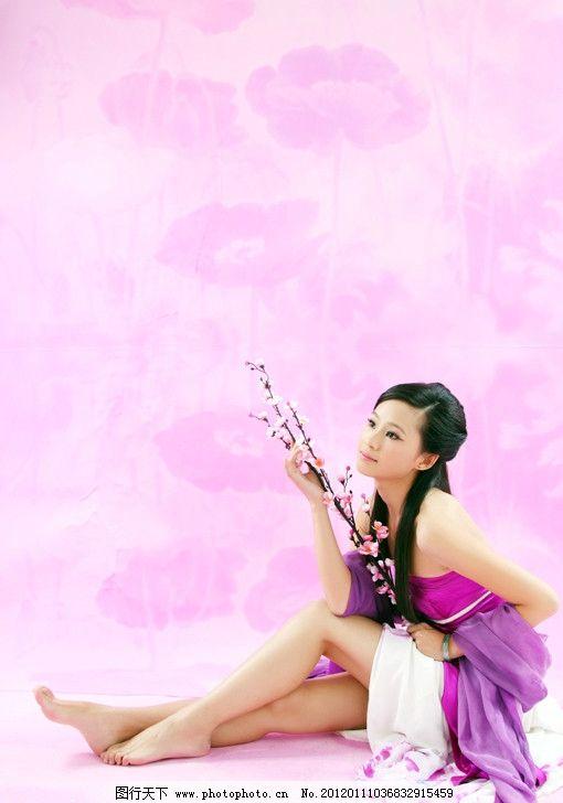 写真 古装 粉色 梅花 荷花背景 女性女人 人物图库 摄影 72dpi jpg