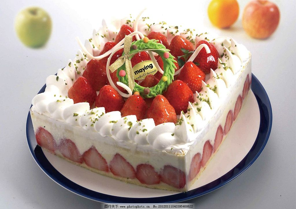 蛋糕 奶油 草莓 水果 水果蛋糕 方形蛋糕 西餐美食 餐饮美食 摄影 300