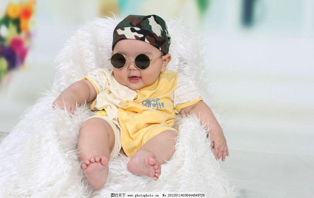 宝宝照 宝宝百天照 婴儿 宝贝 可爱 艺术照 幼儿 墨镜 漂亮 男孩 笑脸