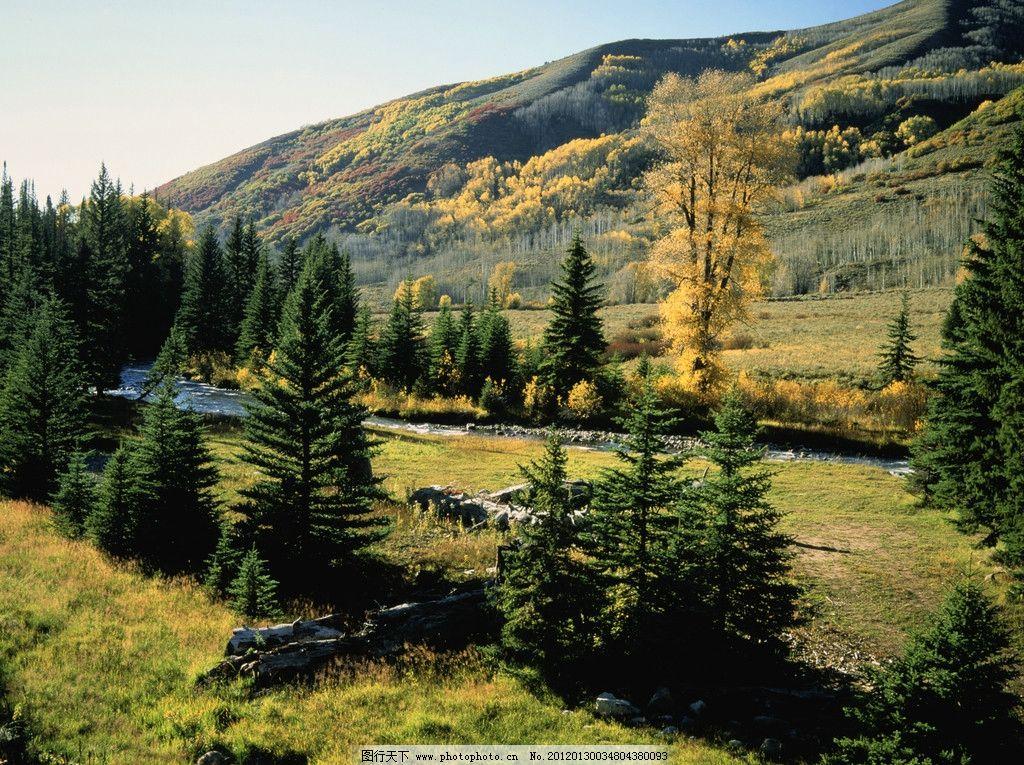 山峦 风景 绿色 山坡 河流 国外 旅游 摄影 郊外 森林 天空