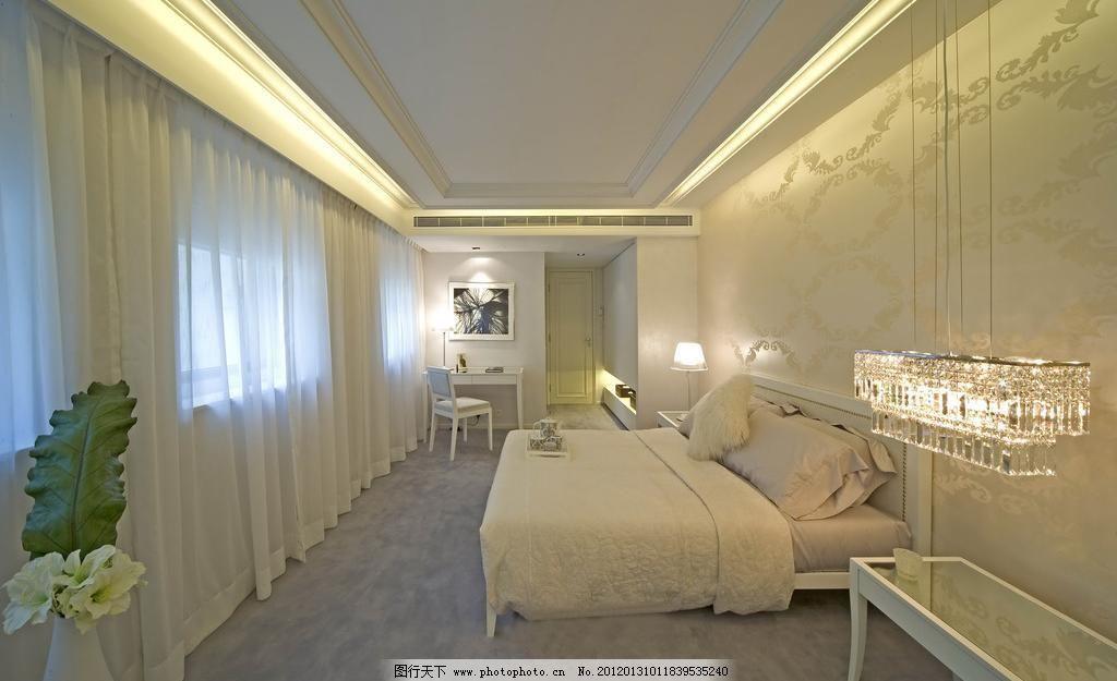 卧室空间      欧式 靠枕 枕头 灯具设计 布艺窗帘 角几 背墙纸 瓷砖