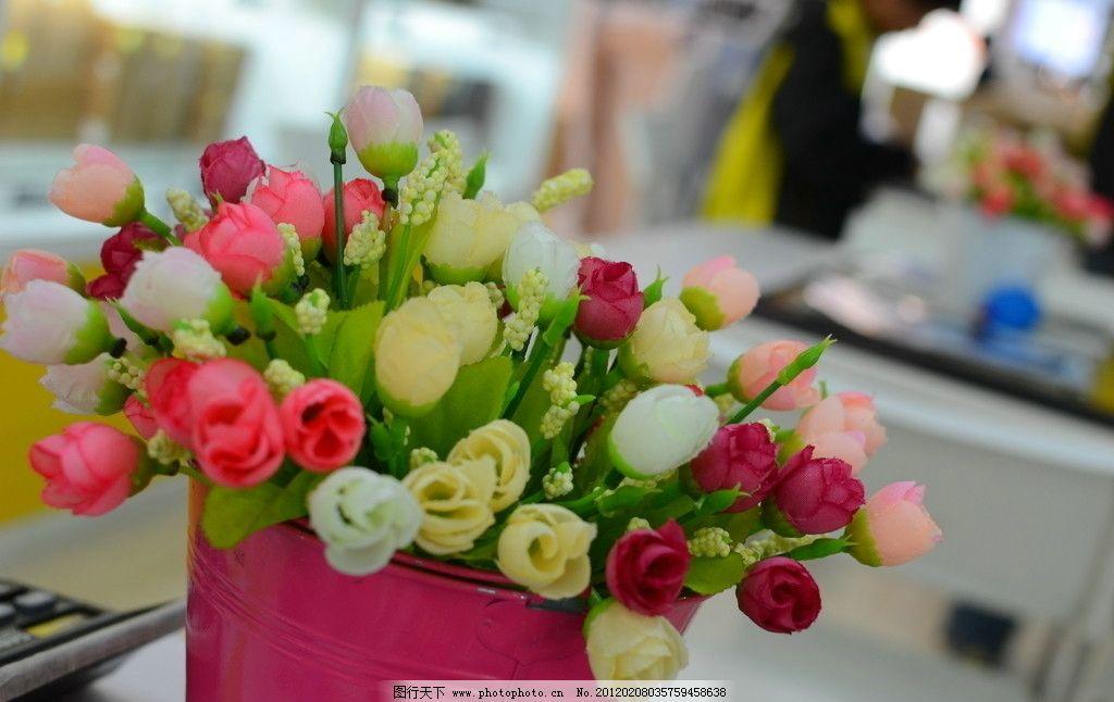 室内盆景 花束 装饰 玫瑰 漂亮 鲜艳 花朵 高清 花草 生物世界 摄影图片