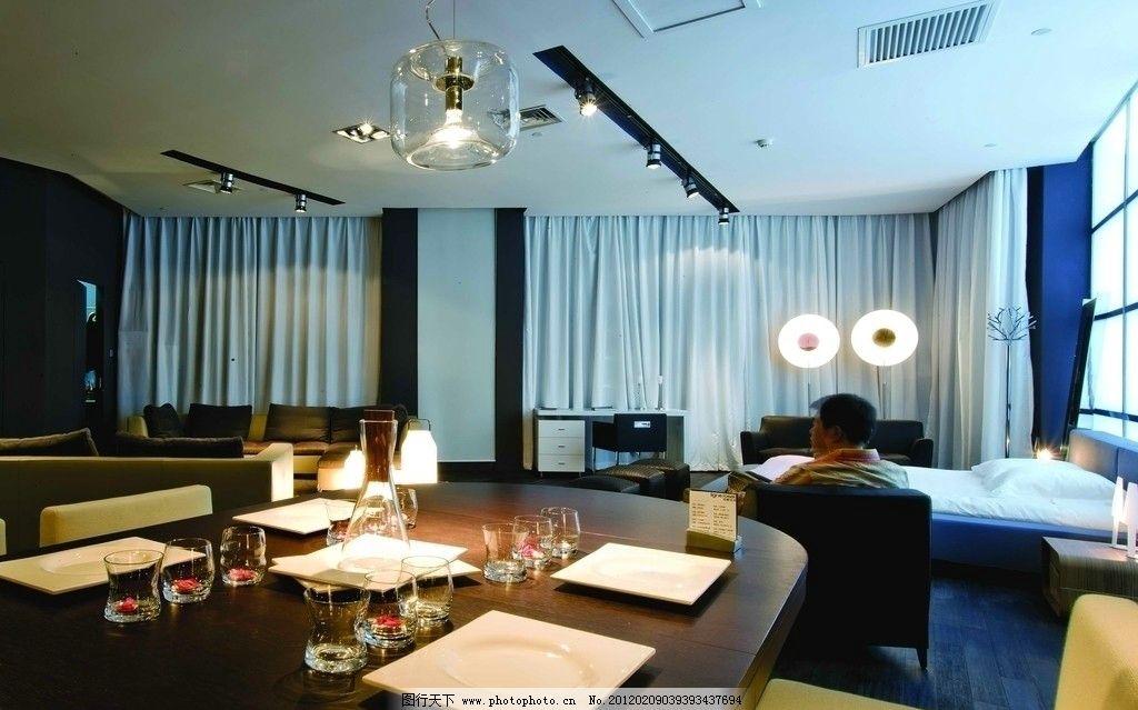 萧氏写意空间 餐厅 花瓶 软包 吊顶 吊灯 西餐厅 酒杯 餐饮