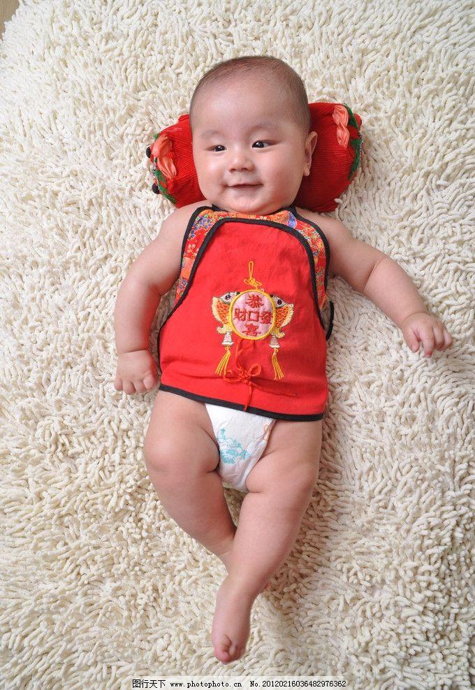 可爱宝宝 宝宝 可爱 幼儿 笑脸 肚兜 儿童幼儿 人物图库 摄影 300dpi