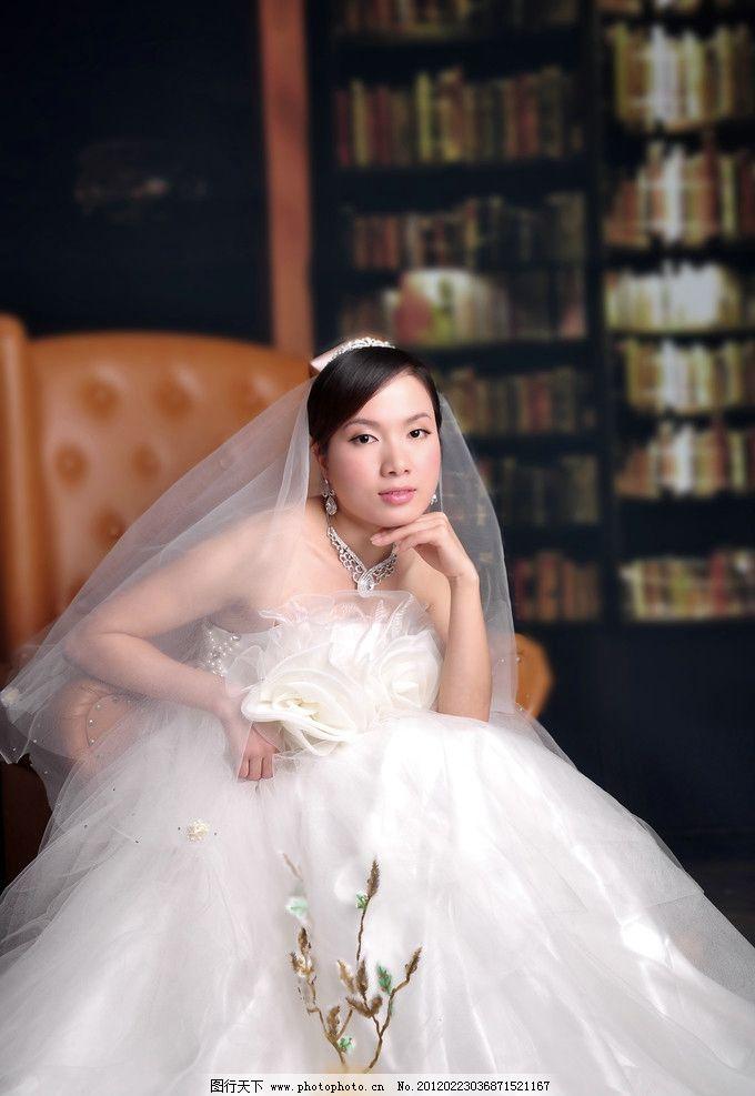 美女婚纱照图片