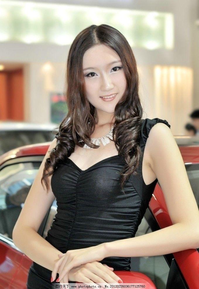 2011齐鲁秋季车展 车展模特图片