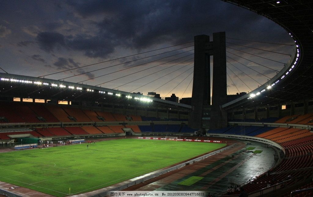 足球场 体育场 黄昏图片