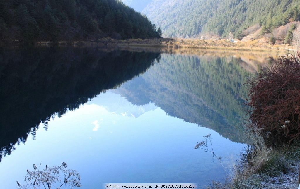 林湖倒影图片