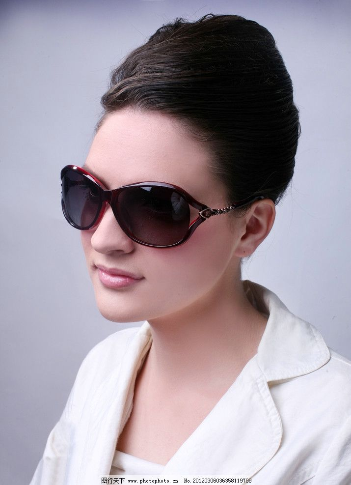 太阳镜 眼镜 美女 酷 女郎 帕莎眼镜 写真 时尚 人物图库 摄影 摄影