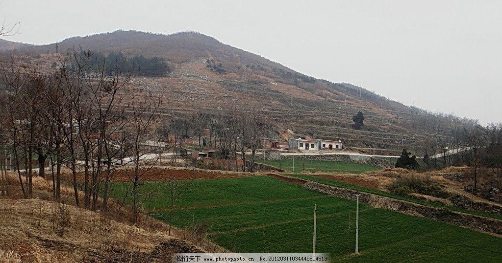 山里路 山体 公路 农田 山水风景 自然景观 摄影 72dpi jpg