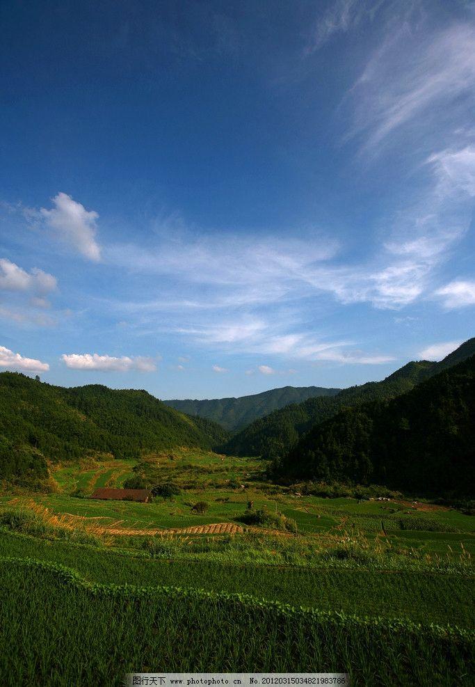 江西三清山山脚农田 夏季 蓝天 白云 山峦 绿山 自然风景 自然景观