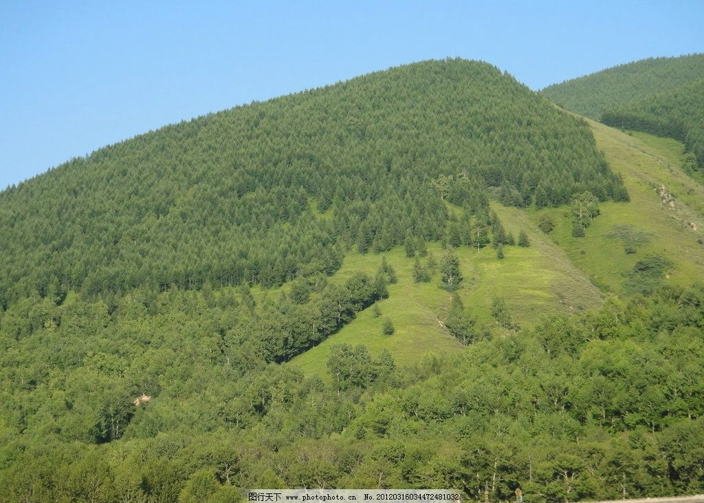 远山 光线 树林 山峦 绿山 自然风光 山水风景 自然景观 摄影 72dpi