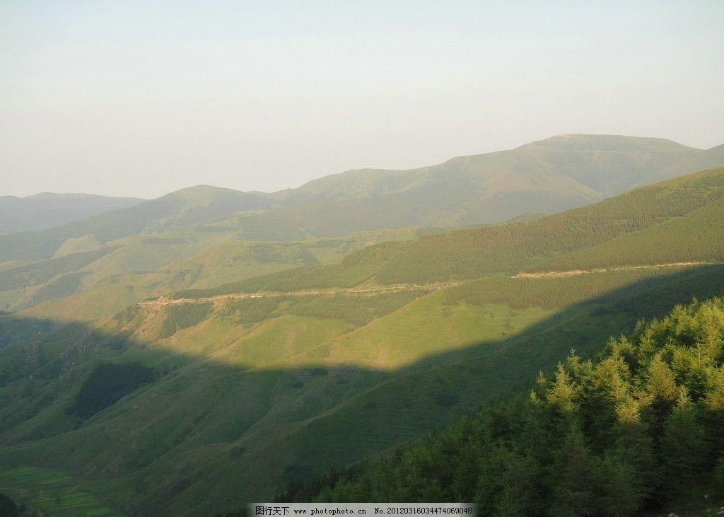 树林 远山 光线 自然风光 山水风景 自然景观 摄影 72dpi jpg