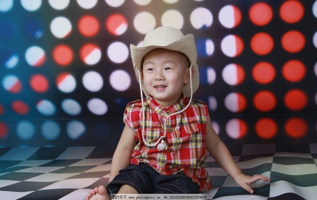 可爱宝贝 宝宝 可爱 萌 小孩 帽子 摇滚 男孩 笑 儿子 快乐 童年 格子