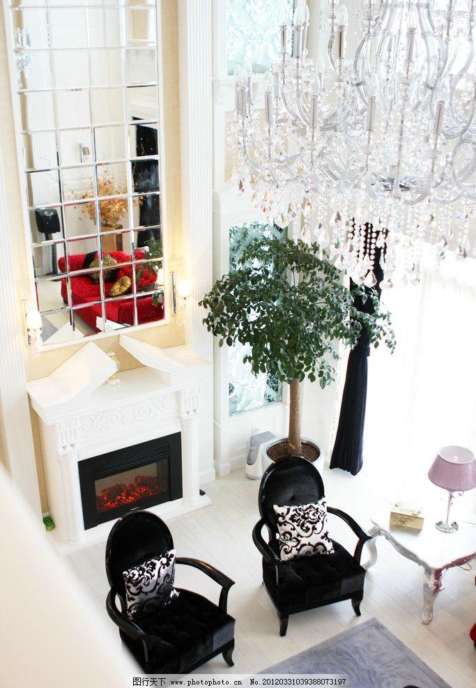 欧式现代别墅客厅 壁炉 沙发 地毯 窗户 花卉 室内摄影 建筑园林 摄影